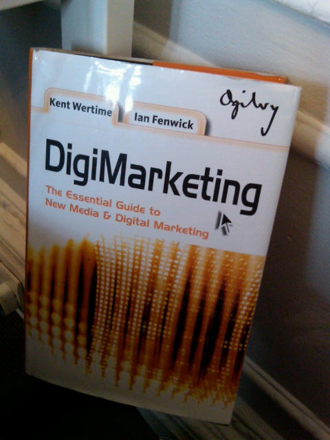 The book DigiMarketing